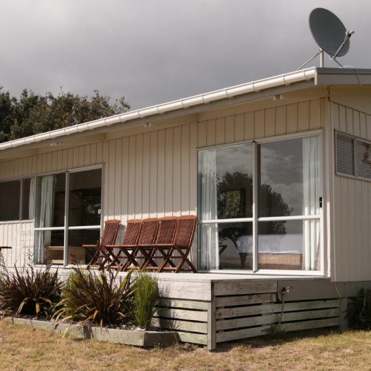 http://www.pakiriholidaypark.co.nz/wp-content/uploads/2016/12/BF-Motel-3-540x540.jpg