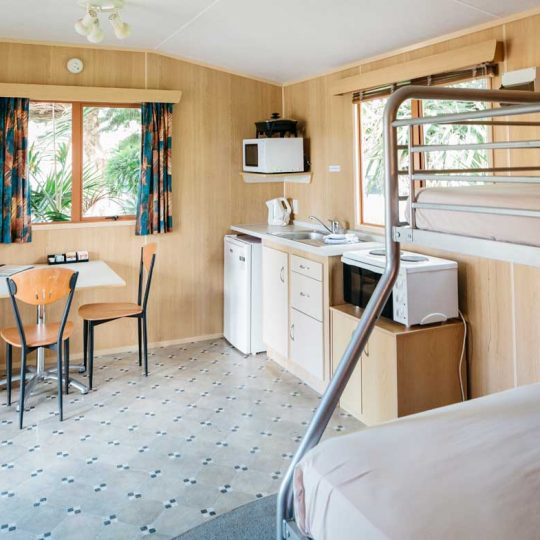 http://www.pakiriholidaypark.co.nz/wp-content/uploads/2016/12/Self-Cabin-7-540x540.jpg