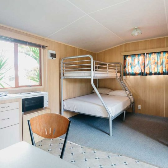 http://www.pakiriholidaypark.co.nz/wp-content/uploads/2016/12/Self-Cabin-8-540x540.jpg