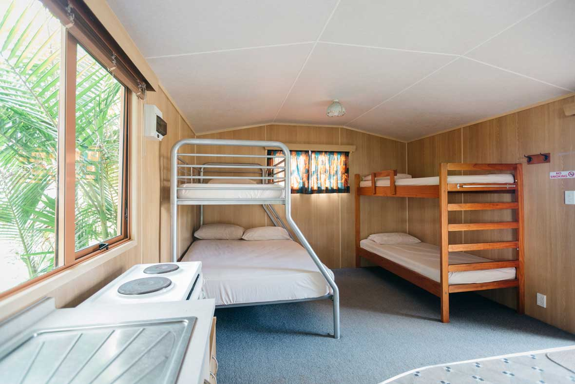 http://www.pakiriholidaypark.co.nz/wp-content/uploads/2016/12/Self-Cabin-9.jpg