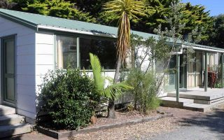 http://www.pakiriholidaypark.co.nz/wp-content/uploads/2017/03/Cabin-29_1_HOME-320x200.jpg