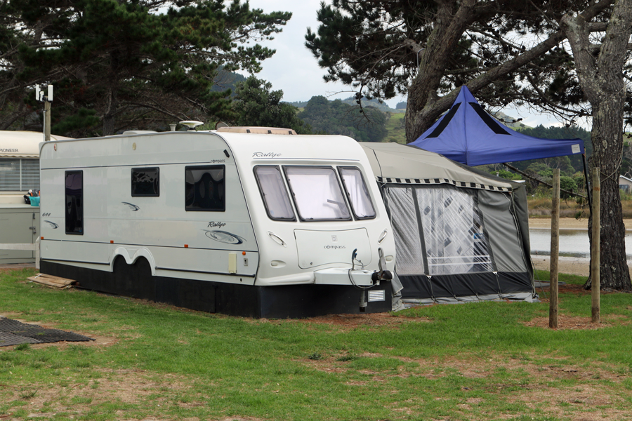 http://www.pakiriholidaypark.co.nz/wp-content/uploads/2017/03/ForSale.png